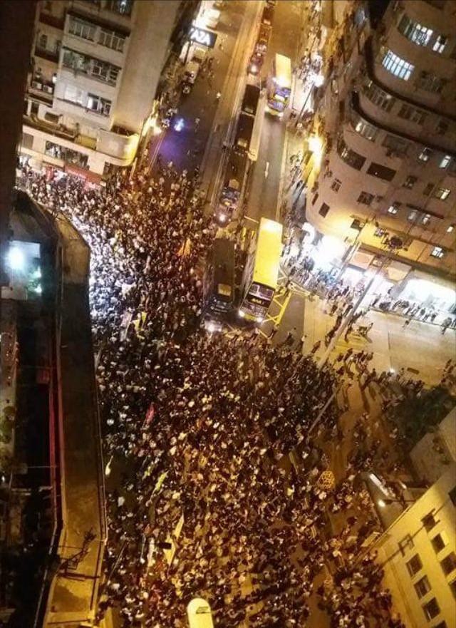 反釋法示威午夜遭驅散 大學保安疑監視學生會